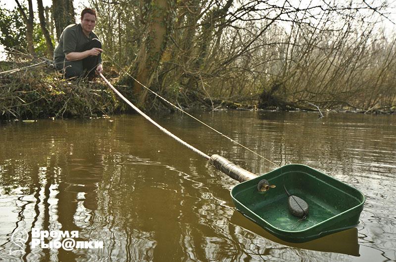 рыбалка с прикормочным корабликом